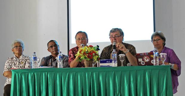 """Kuliah Umum """"Deradikalisasi Dalam Kehidupan Beragama"""", Kupang & Kunjungan ke Pondok Pesantren Tebuireng, Jombang"""